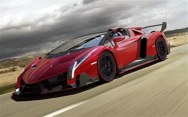 Veneno-Roadster_1_2706498b