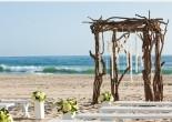 Если вы хотите идеальную свадебную церемонию, вы должны провести ее на пляже. Вот популярные места, которые помогут сделать вашу свадьбу незабываемой.