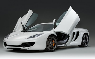 2011-McLaren-MP4-12C_Supercar-09-1680