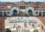 If you want to buy quality things at the best prices in Italy, you should read this guide before setting off shopping. Italy's outlet malls can be a good solution for you.