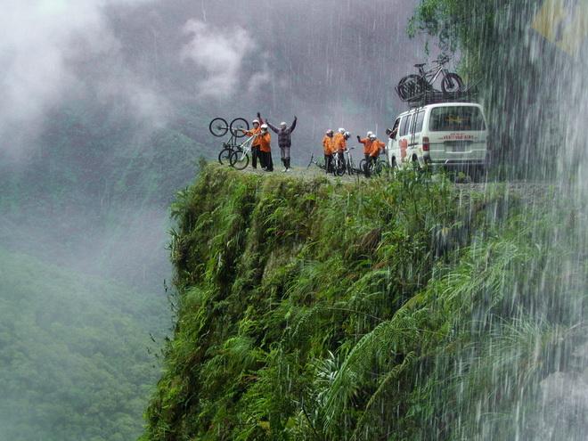 Bolivia_Yunga_Road-7
