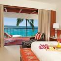 hawaii-big-island-mauna-kea-beach-hotel-bedroom-980x500