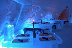 8balea_lake_ice_hotel_rumyniya4