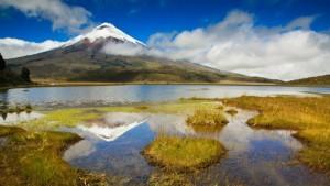 mj-618_348_mountain-bike-ecuadors-volcano-country